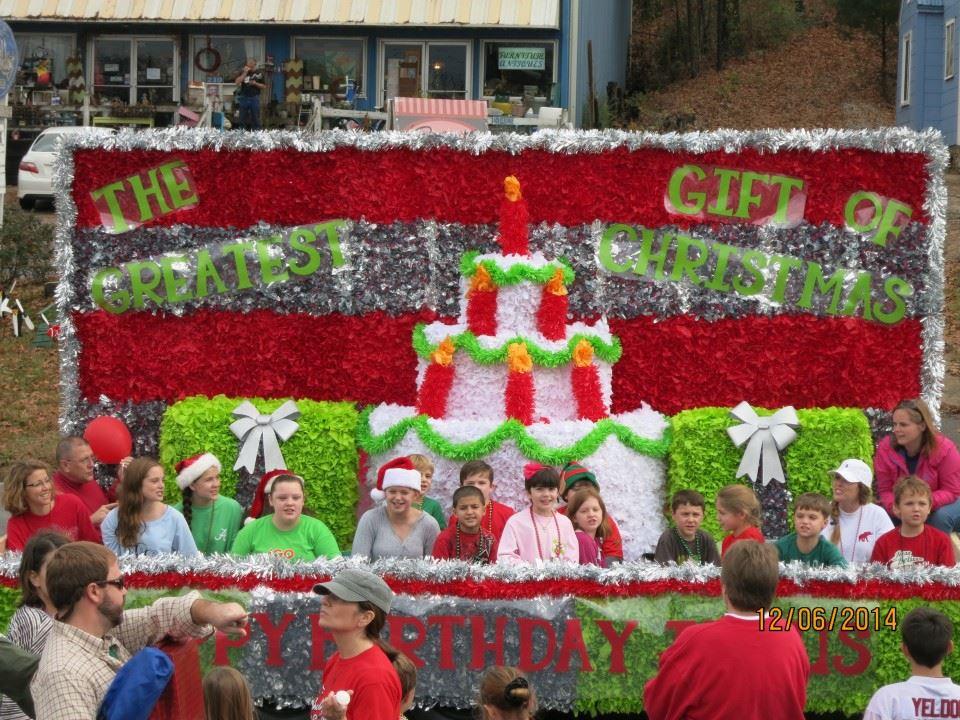 Christmas Homecoming Float.Christmas Parade Alabaster Al