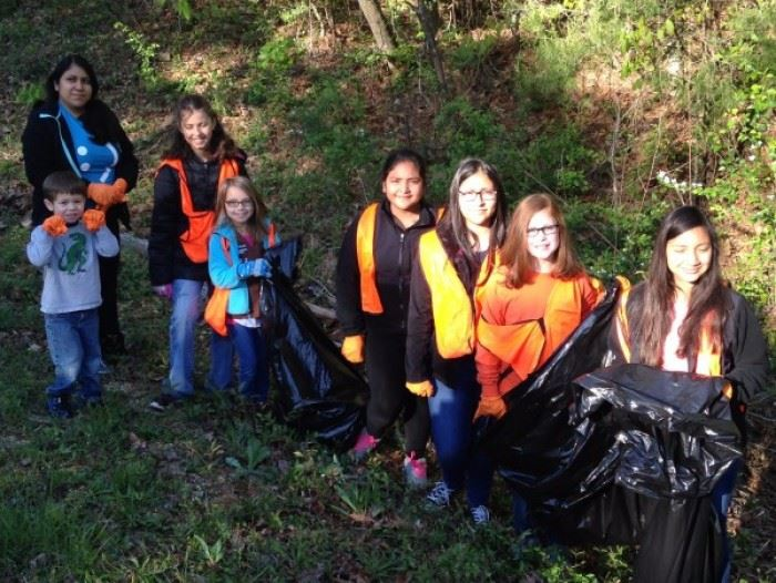Clean Sweep 2016 Volunteers 5